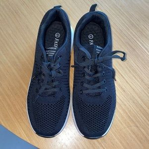 "Fashion ""professional skateboard shoe"" sneakers8.5"